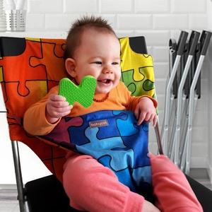 Eat-play-love / Babycab - puzzle mintás, textil, uniszex, mobil, hordozható etetőszék, Baba-mama-gyerek, Bútor, Baba-mama kellék, Gyerekszoba, Varrás, Vidám és játékos pillanatokat élhettek át a gyermekeddel etetés közben is. A korszerű babacsomag al..., Meska