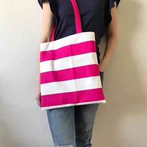 Pink csíkos vászonból készült színes szatyor, válltáska, Táska, Divat & Szépség, Táska, Válltáska, oldaltáska, Szatyor, Varrás, Ha szeretnél egy vidám, színes, de mégis egyszerű kivitelezésű és megjelenésű táskát, akkor bátran a..., Meska
