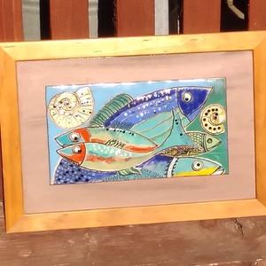 Halak tűzzománc kép, Művészet, Festmény, Festmény vegyes technika,  Egy tengerparti nyaralás emlékére! Halak,csigák napfény!  Mérete kerettel: 24 cm x 34 cm  képlemez ..., Meska