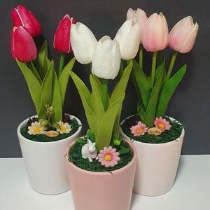 Tulipános asztaldísz kerámiában, Otthon & Lakás, Dekoráció, Asztaldísz, Virágkötés, Élethű tapintású tulipánnal. \n25cm magas. \n, Meska
