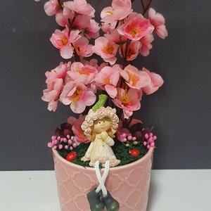Virágos asztaldísz kerámiában, Otthon & Lakás, Dekoráció, Asztaldísz, Virágkötés, Kb 11x25cm.\n, Meska