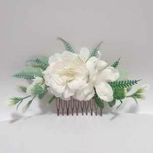 Menyasszonyi hajdísz, Esküvő, Hajdísz, Fésűs hajdísz, Virágkötés, Fehér selyemvirágokkal és zöldekkel. Kb 16cm hosszú. , Meska