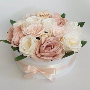 Rózsás doboz, Otthon & Lakás, Dekoráció, Csokor & Virágdísz, Virágkötés, Átmérője: kb 28cm.\n, Meska