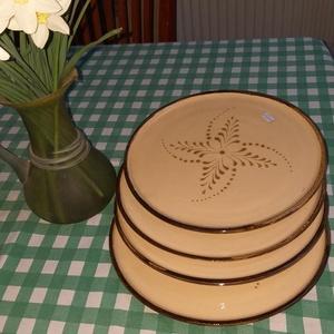 Nagy lapos tányér barna, Otthon & lakás, Konyhafelszerelés, Kerámia,  Barna- bézs lapos tányér  28 cm \n\nAz ár 1 db-ra vonatkozik\n\n\nSzállítási,fizetési információ:\nTöréke..., Meska