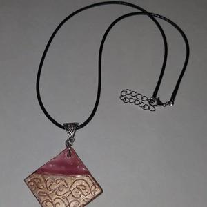 Négyszögletes pink,bronz  medálos nyaklánc, Ékszer, Ékszerszett, Négyszögletes pink,bronz  medálos nyaklánc.  Postázása egyedi megbeszélés alapján. , Meska