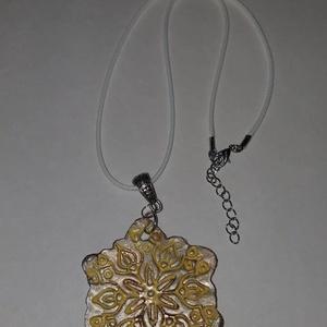 Sárga  bronzos  nagy méretű medálos nyaklánc, Ékszer, Ékszerszett, Sárga  bronzos  nagy méretű  medálosos nyaklánc.  Postázása egyedi megbeszélés alapján. , Meska