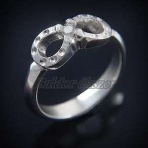 Ezüst köves patkó gyűrű, Ékszer, Gyűrű, Figurális gyűrű, Ötvös, Ezüst köves patkó gyűrű\nszélessége: 6 mm\ncirkónia átmérője: 2 mm\n\nGyűrű mérete tetszőlegesen választ..., Meska