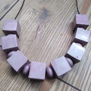 Kockasor, Ékszer, Nyaklánc, Medál nélküli nyaklánc, Speciális betonból készült nyaklánc. A kockák és fánkok, anyagukban vannak színezve. Száradás után l..., Meska