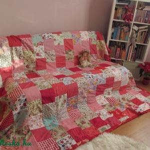 piros vintage patchwork takaró (Banyamanufaktura) - Meska.hu