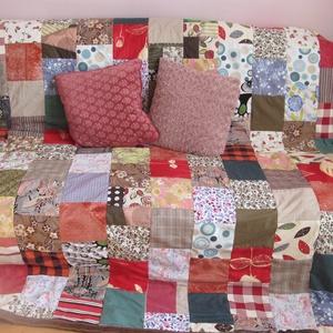 színes kockák kavalkádja patchwork takaró, Otthon & Lakás, Lakástextil, Ágytakaró, Ez a takaró megrendelésre készült, de ha tetszik szívesen elkészítem a neked megfelelőt.( méret,szín..., Meska