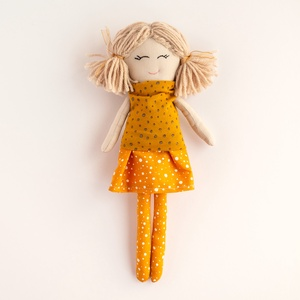 Barankababra Copfos baba csillogós felsőjű, pöttyös sárga ruhában, Gyerek & játék, Játék, Baba játék, Baba-és bábkészítés, A Barankababra copfos babák mindenki kedvencévé váltak, nemcsak a sokfajta ruhakombináció miatt, han..., Meska