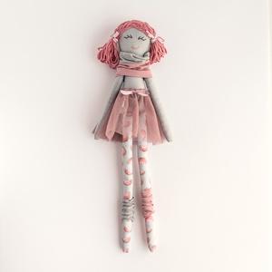Barankababra Kis balerina baba, dinnyemintás harisnyában, Gyerek & játék, Játék, Baba játék, Baba-és bábkészítés, Varrás, A kis balerina baba saját tervezésű, kézzel varrt pamut baba. A haja prémium gyapjú fonalból készült..., Meska