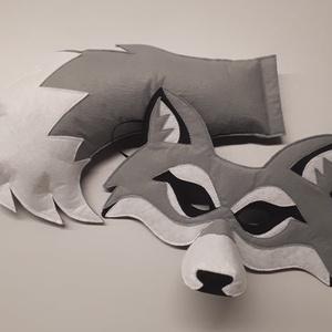 Farkas maszk és farkinca, Ruha & Divat, Jelmez & Álarc, Jelmez, Varrás, Aprólékos munkával szürke filc anyagból készült farkas maszk és farkinca.\n3D-s, tehát térbeli maszk,..., Meska