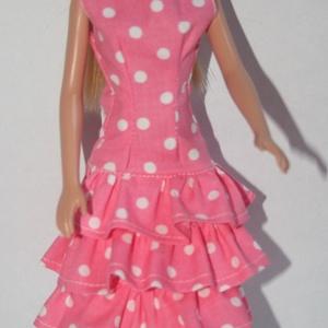 Barbie ruha készítő csomag Fodros ruha és Kabát, DIY (leírások), Szabásminta, útmutató, Varrás, A csomag segítségével a képen látható ruhát és kabátot készítheted el barbie babának. Két anyagot tu..., Meska