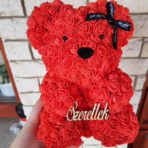Piros szeretlek rózsa maci, Csokor & Virágdísz, Dekoráció, Otthon & Lakás, Mindenmás, \nEgyedi Rózsa maci.\nÖrök élet.\nIdeális ajándék gyerekeknek, babáknak, pároknak is névnapra, szülinap..., Meska