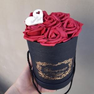 Akciós!! rózsa doboz ajándék karkötővel, Ékszer, Karkötő, Esküvő, Otthon & lakás, Ékszerkészítés, Mindenmás, A képen látható karkötő ajándék a doboz mellé.\nA doboz összesen 18cm magas. \nKérhető csomagolva is /..., Meska