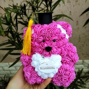 Rózsaszín ballagási rózsa maci, Otthon & Lakás, Dekoráció, Csokor & Virágdísz, Mindenmás, Ha valami különlegeset keresel..\nTökéletes ballagási ajándék\nEgyedi Rózsa maci\nÖrök élet.\nIdeális aj..., Meska