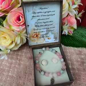 Szülőkösztöntő ajándék ásvány karkötő szeretet angyalszárny, Esküvő, Emlék & Ajándék, Szülőköszöntő ajándék, Ékszerkészítés, A kísérő kártyára bármilyen felirat kérhető! Megjegyzésben kellene feltüntetni!\nAz ár a karkötőre vo..., Meska