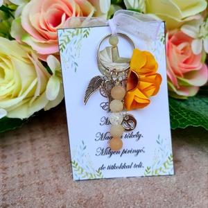 Babaváró ajándék ásvány kulcstartó sárga, Játék & Gyerek, Babalátogató ajándékcsomag, Babaváró ajándék ásvány kulcstartó A kis kártyára kérhető név is! Megjegyzésben kell feltüntetni! Eg..., Meska