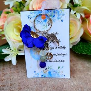 Babaváró ajándék ásvány kulcstartó kék, Játék & Gyerek, Babalátogató ajándékcsomag, Babaváró ajándék ásvány kulcstartó kék A kis kártyára kérhető név is! Megjegyzésben kell feltüntetni..., Meska