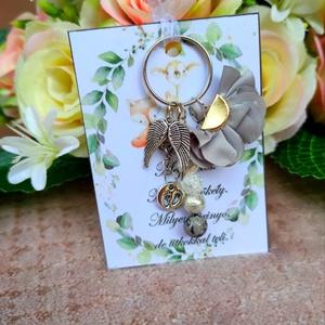 Babaváró ajándék kulcstartó szürke, Játék & Gyerek, Babalátogató ajándékcsomag, Babaváró ajándék kulcstartó szürke A kis kártyára kérhető név is! Megjegyzésben kell feltüntetni! Eg..., Meska