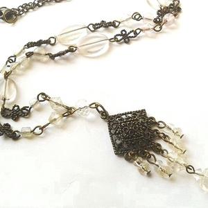 Jégkirálynő - bronz nyaklánc, Medálos nyaklánc, Nyaklánc, Ékszer, Ékszerkészítés, Áttetsző üveggyöngyök és bronz függők alkotják ezt a nyakláncot. Hossza: 55 cm.\n\n, Meska