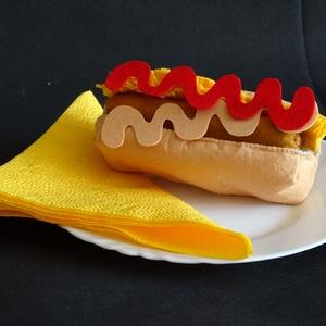 Hot-Dog készítő szett, Gyerek & játék, Játék, Baba, babaház, Készségfejlesztő játék, Varrás, HOT-DOG KÉSZÍTŐ SZETT\nAnyaga: \nStrapabíró barkács filc, vatelin töltet felhasználásával készült. \nAj..., Meska