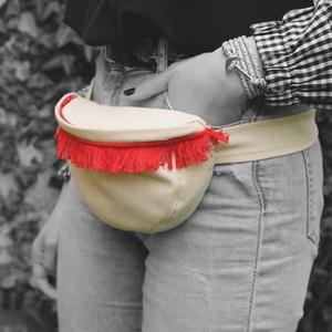 Piros rojtos övtáska, Övtáska, Táska & Tok, Varrás, Vastag vászonból készült, praktikus viselet. Belül cipzáras zseb található.\nA műanyag csattal. karab..., Meska