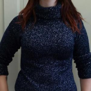 Női pulóver, Pulóver & Kardigán, Női ruha, Ruha & Divat, Kötés, Női alkalmi pulóvert készítettem fekete-ezüst műszál fonalból\nAlkalmi viseletnek szántam \nmérete40-4..., Meska