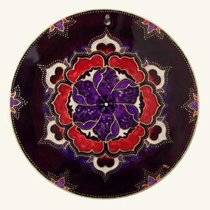 Bordó-lila mandala, Dekoráció, Otthon & lakás, Kép, Lakberendezés, Falikép, Festészet, Üvegművészet, Kézzel vágott-csiszolt, 18 cm-es üveglapra készült mandala. A termék saját minta alapján, üvegfestés..., Meska