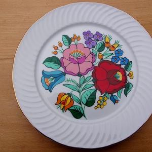 Kalocsai kézzel festett tányér., Otthon & Lakás, Konyhai dísz, Konyhafelszerelés, Szabad kézzel festem ,eredeti kalocsai minta alapján . Ki égetem ,mosogató gépben mosogatható . Kéré..., Meska