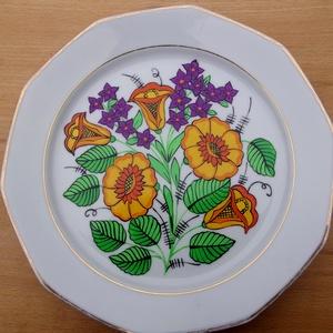 Kalocsai kézzel festett porcelán tányér., Konyhai dísz, Konyhafelszerelés, Otthon & Lakás, Festett tárgyak, Szabad kézzel festem ,eredeti kalocsai minta alapján .\nKi égetem ,mosogató gépben mosogatható .\nMére..., Meska