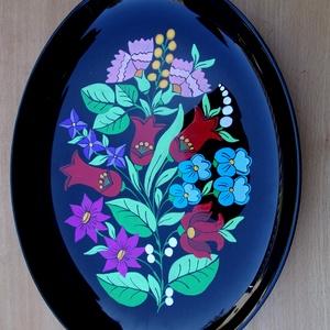 Kalocsai kézzel festett jénai tál ., Otthon & Lakás, Konyhafelszerelés, Szabad kézzel festem ,eredeti kalocsai minta alapján . Ki égetem ,mosogatható . Mérete :33 × 26 cm ..., Meska