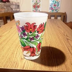 Kalocsai kézzel festett üveg váza ., Otthon & Lakás, Dekoráció, Váza, Szabad kézzel festem ,eredeti kalocsai minta alapján . Ki égetem . Mérete : , Meska