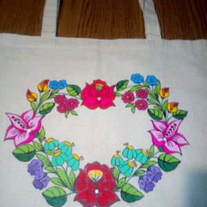 Kalocsai kézzel festett vászon táska ., Táska & Tok, Kézitáska & válltáska, Kézitáska, Szabad kézzel festem eredeti kalocsai minta alapján . Mosható . Mérete : 39 × 40 cm , Meska