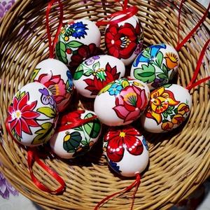Kalocsai kézzel festett müanyag tojás .10 db ., Otthon & Lakás, Dekoráció, Szabad kézzel festem ,kalocsai minta alapján . Lakkozásal fixálom ., Meska