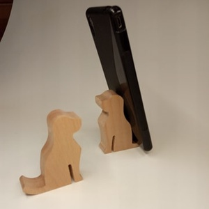 Mobiltelefon tartó, kutyás, bükkfából, Táska & Tok, Ebook & Tablet tok, Laptop & Tablettartó, Nézd meg kedvec videóid a mobilon. Helyezd ebbe az aranyos telefon tartóba. Bükkfából készül. A kuty..., Meska