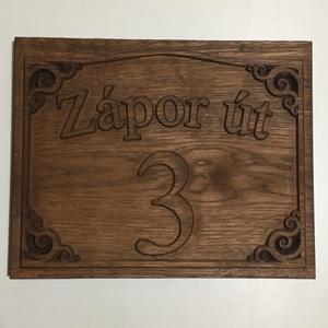 Házszámtábla fából, Otthon & Lakás, Házszám, Ház & Kert, Díszes, fából készült házszámtábla egyedi felirattal. Jártál már úgy, hogy nehezten találtál meg egy..., Meska