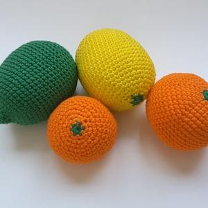 Horgolt gyümölcs szett, Gyerek & játék, Játék, Készségfejlesztő játék, Baba játék, Horgolás, A szett tartalma 3 db gyümölcs:\n- citrom (zöld vagy sárga, 10x6cm)\n- narancs (6x7cm)\n- mandarin (6x4..., Meska