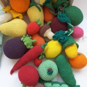 Horgolt zöldség, gyümölcs szett, Gyerek & játék, Játék, Készségfejlesztő játék, Baba játék, Horgolás, Kezdődhet a főzés! Vagy inkább induljunk a piacra? Ezek a horgolt zöldségek és gyümölcsök remekül ha..., Meska