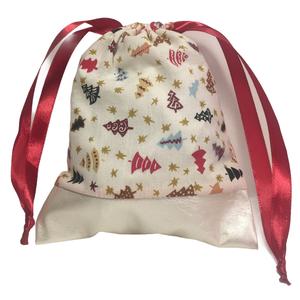 Karácsonyi zsák csillogó textilbőrrel (kicsi), Karácsony & Mikulás, Karácsonyi csomagolás, Varrás, Karácsonyi mintás pamutvászonból készült zsák selyem szalaggal, csillogó textilbőrrel kombinálva mik..., Meska