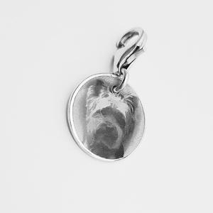 Fotó gravírozott ezüst medál , Ékszer, Karkötő, Férfiaknak, Ékszer, kiegészítő, Gyerek & játék, Baba-mama kellék, Gravírozás, pirográfia, Ötvös, Ezt a 13mm-es kör alakú medált 925-ös ezüstből készítem. Kérhető delfinzárral vagy zsinórkarkötőn. A..., Meska