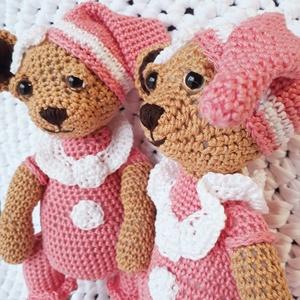 Horgolt macilány rózsaszín pizsamás (bbtimcsi) - Meska.hu