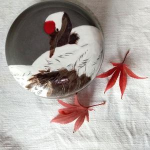 Ékszertartó doboz madaras díszítéssel, Otthon & Lakás, Lakberendezés, Kerámia, Festészet, Különleges, szürkére égő agyagból korongoztam ezt a kis ékszertartó dobozkát, és japán darumadarat f..., Meska
