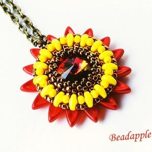 Sunflower III., Ékszer, Medálos nyaklánc, Nyaklánc, Bár színeiben, nem, de formájában nagyon hasonlít egy napraforgóra legújabb medálom, melyet saját te..., Meska