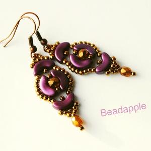 Incan treasure, Ékszer, Lógós fülbevaló, Fülbevaló, Egy nagyon szép, barokkos színvilágú, és formájú fülbevalót készítettem.  A lila színű ívelt gyöngyö..., Meska
