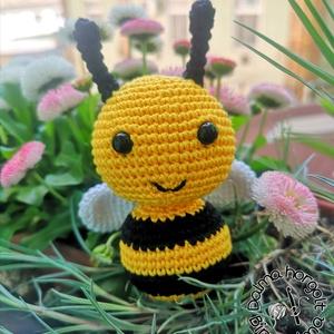 Móric a méhecske , Játék & Gyerek, Plüssállat & Játékfigura, Egy kedves kis méhecske szállt a virágaim közé, és kérdezte tőlem, nincs-e valakinek szüksége rá? Me..., Meska