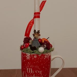 Bögre karácsonyi díszbe öltöztetve, Otthon & Lakás, Dekoráció, Asztaldísz, Mindenmás, Virágkötés, Gyönyörű piros karácsonyi bögre asztaldísz. Praktikus, kis helyen elfér. Kisebb lakásokban is kiváló..., Meska