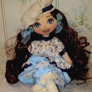 Izabella  baba, Otthon & Lakás, Dekoráció, Dísztárgy, Baba-és bábkészítés, Varrás, Izabella 40 cm magas dekorációs textilbaba. Egyedi darab.\nArcát kézzel festettem, haja babahajból ké..., Meska