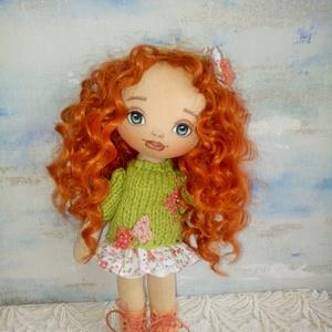Fruzsina baba, Játék & Gyerek, Baba & babaház, Baba, Baba-és bábkészítés, Varrás, 28 cm magas egyedi készítésű textilbaba.\nArcát kézzel festettem. Haja gyönyörű vörös , hullámos baba..., Meska